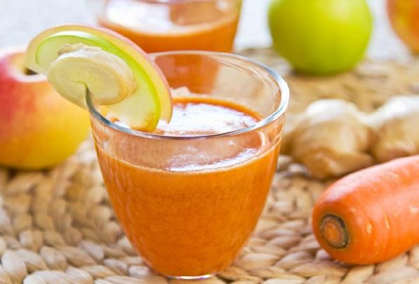 Детокс-коктейль з моркви, імбиру і цитрусових