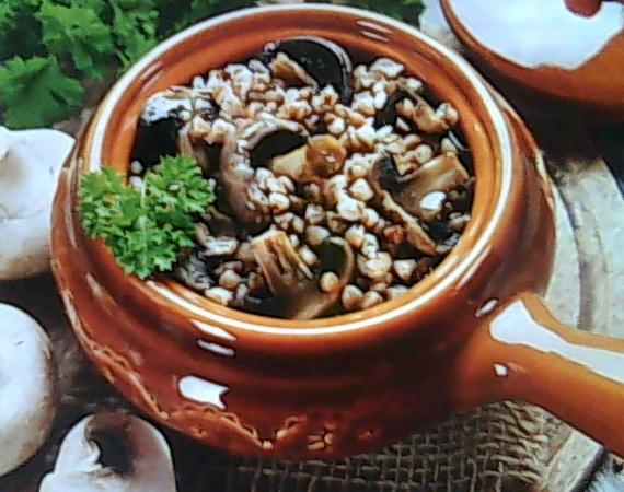 Ароматна гречка з сердечками і грибами в горщиках