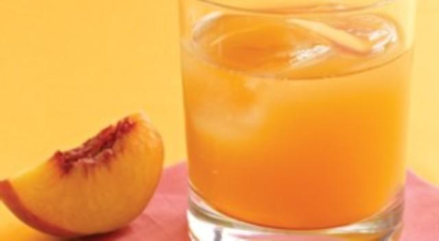 Лимонад із персиків