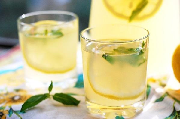 Лимонна вода для схуднення