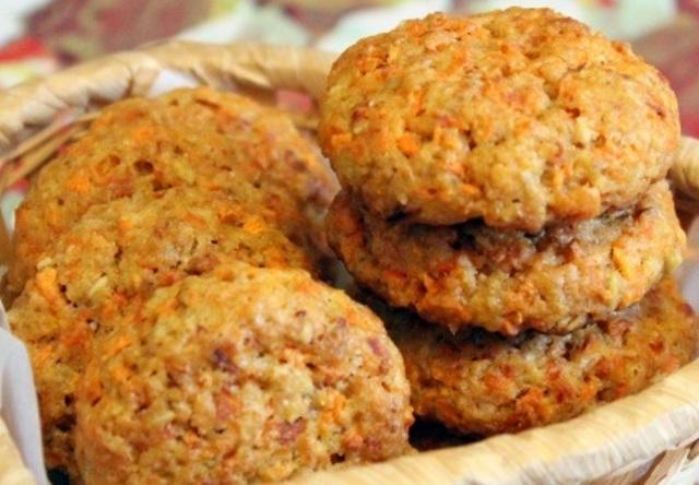 Морквяне печиво з родзинками