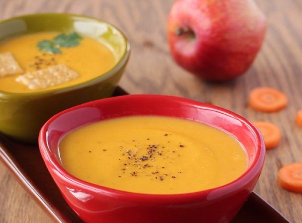 Морквяно-яблучний суп-пюре з імбирем