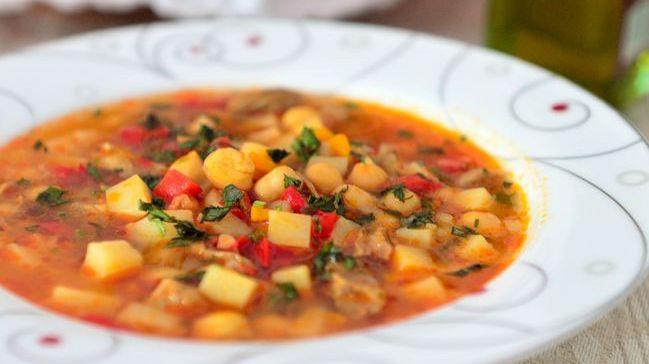 Рецепти до посту: суп з нутом та в'яленими помідорами
