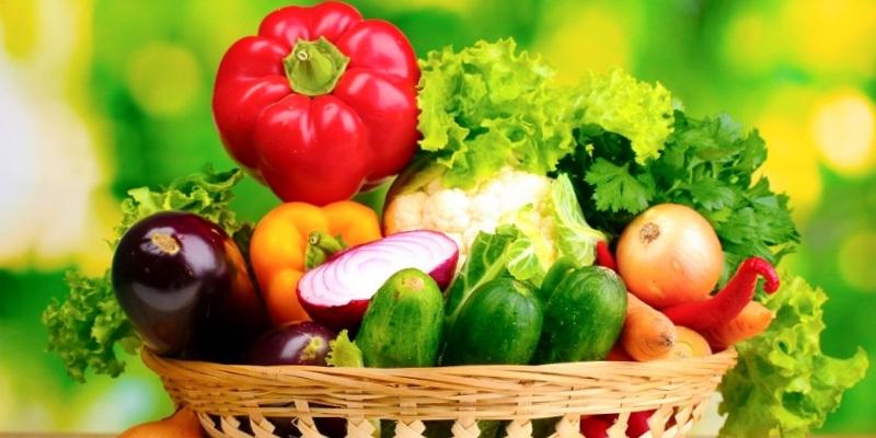 Палітра на тарілці - користь різнокольорових овочів та фруктів