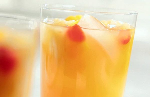 Поживний фруктовий коктейль