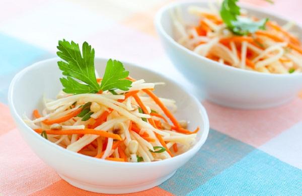 Вітамінний салат з дайконом