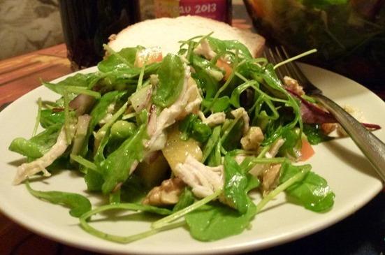 Салат з м'ясом індика, хурмою і авокадо
