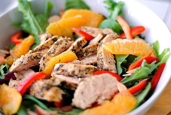 Салат з куркою і мандаринами