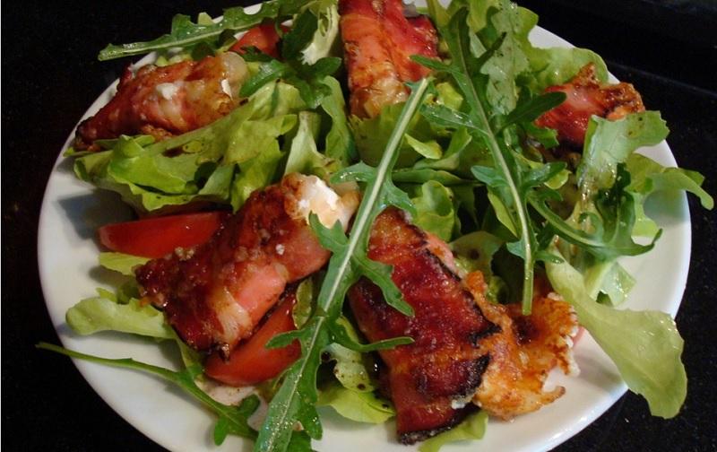 Салат з шпинатом та беконом