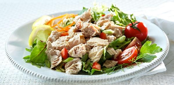 Салат з тунцем та квасолею