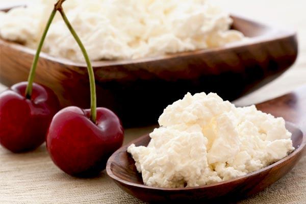 Користь і шкода сиру: чи всім можна його їсти?