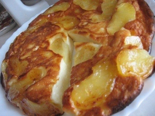 Смачна сирно-яблучна запіканка