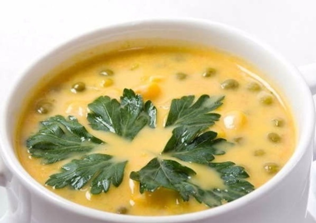 Сирний суп з грибами та стручковою квасолею