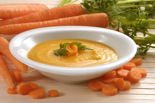 Морквяно-яблучний суп-пюре