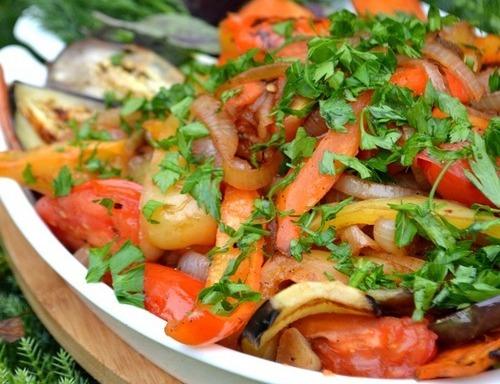 Теплий осінній овочевий салат