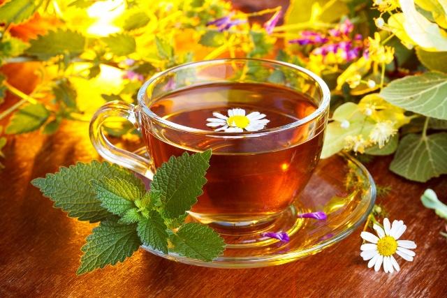 Трав'яні чаї, які допоможуть пережити зиму