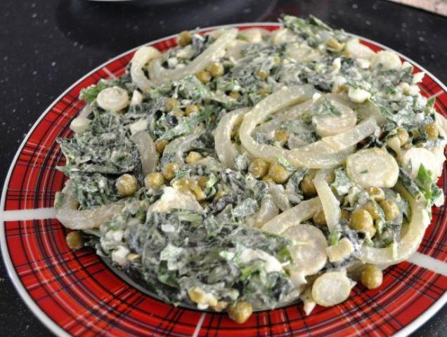 Вітамінний салат з кальмарами