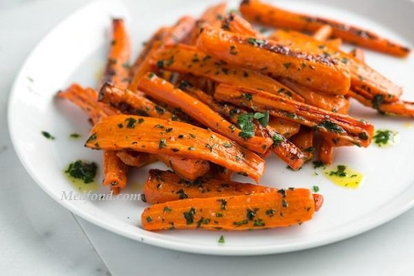Запечена морква з медом
