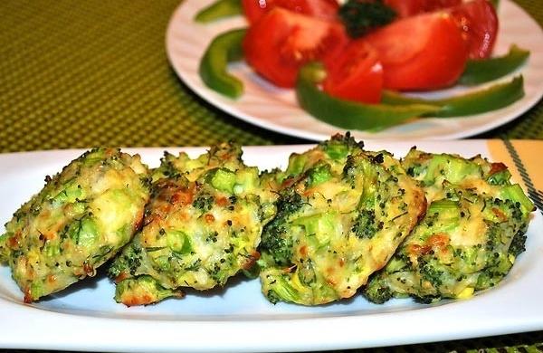 Запечені курячі котлети з броколі